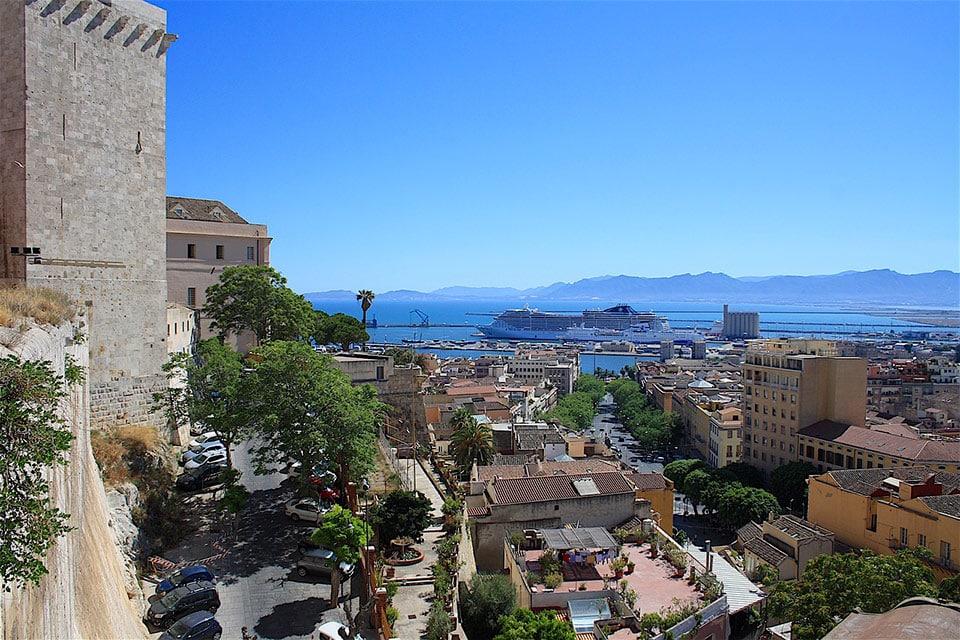 Cagliari, die Stadt der Sonne mit Blick auf das Meer