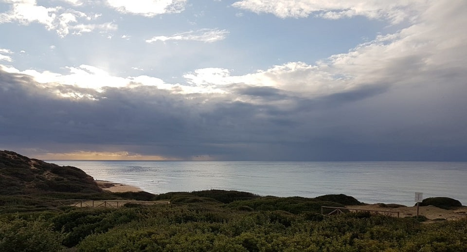 Sonnenuntergang in Portu Maga, einem der unberührtesten und wildesten Orte Sardiniens