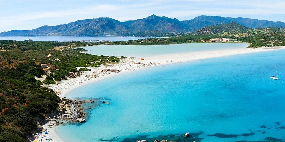 Der schöne Strand von Porto Giunco, Paradies der Südküste